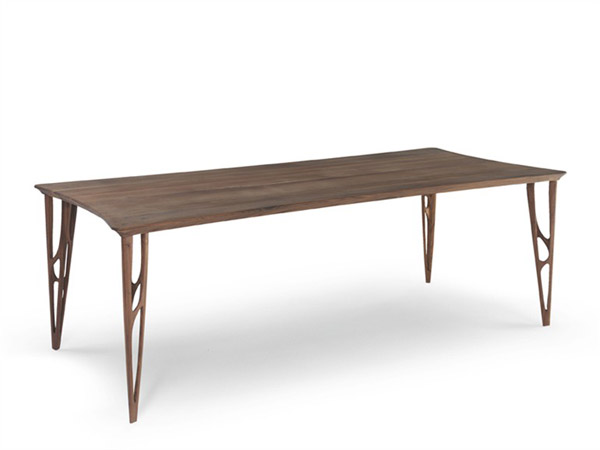 Matériaux : Chêne ou noyer. Dimensions : H 73 cm, P 100 cm, L 180 à 260 cm. Coloris : Chêne ou noyer. Prix : A partir de 3911 € TTC.