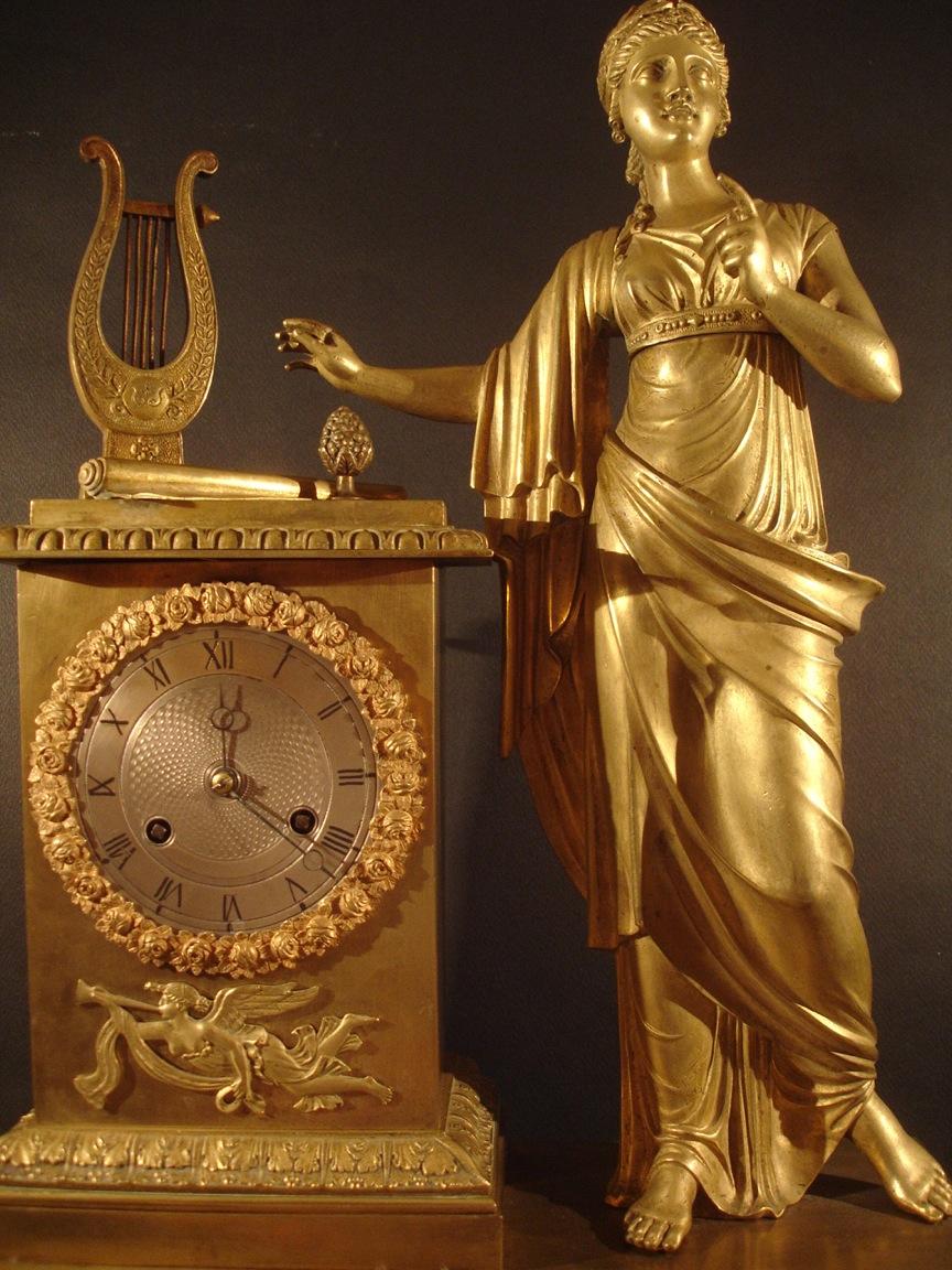 Horloge (détail). Début XIXe siècle. Catalogue Olivier Berni Intérieurs