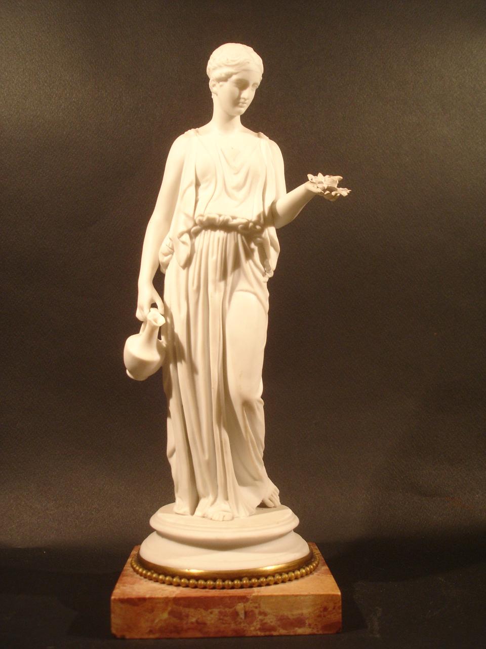 """""""Hébé."""" Date : XIXe siècle. Dimension: H 30 cm. Catalogue d'antiquités Olivier Berni Intérieurs"""