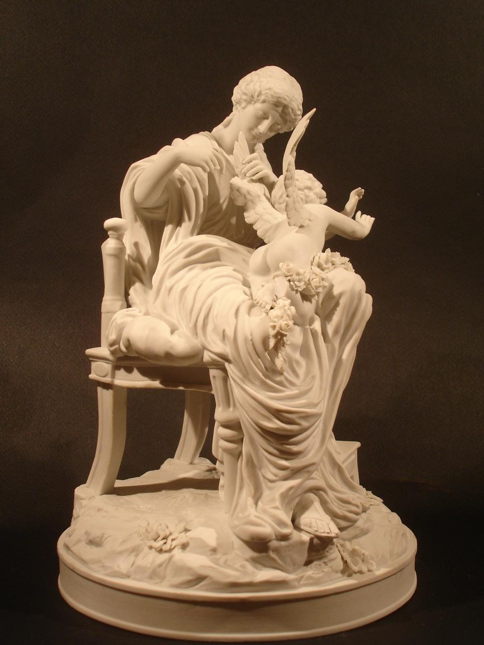 """""""L'amour retenu prisonnier."""" Dimension : H 26 cm. Date : XIXe siècle. Catalogue d'antiquités Olivier Berni Intérieurs"""