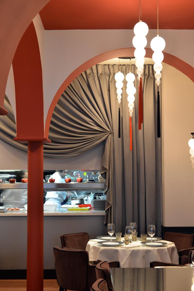 L'Arôme, 3 rue Saint-Philippe du Roule, 75008 Paris. Réalisation de l'architecte d'intérieur Olivier Berni.