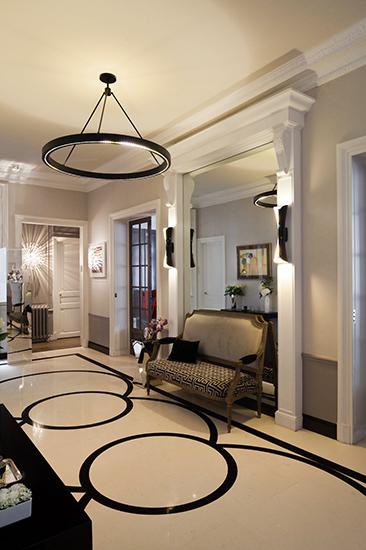 Galerie. Calepinage du sol réalisé sur mesure. Création de l'agence d'architecture d'intérieur Olivier Berni Intérieurs.
