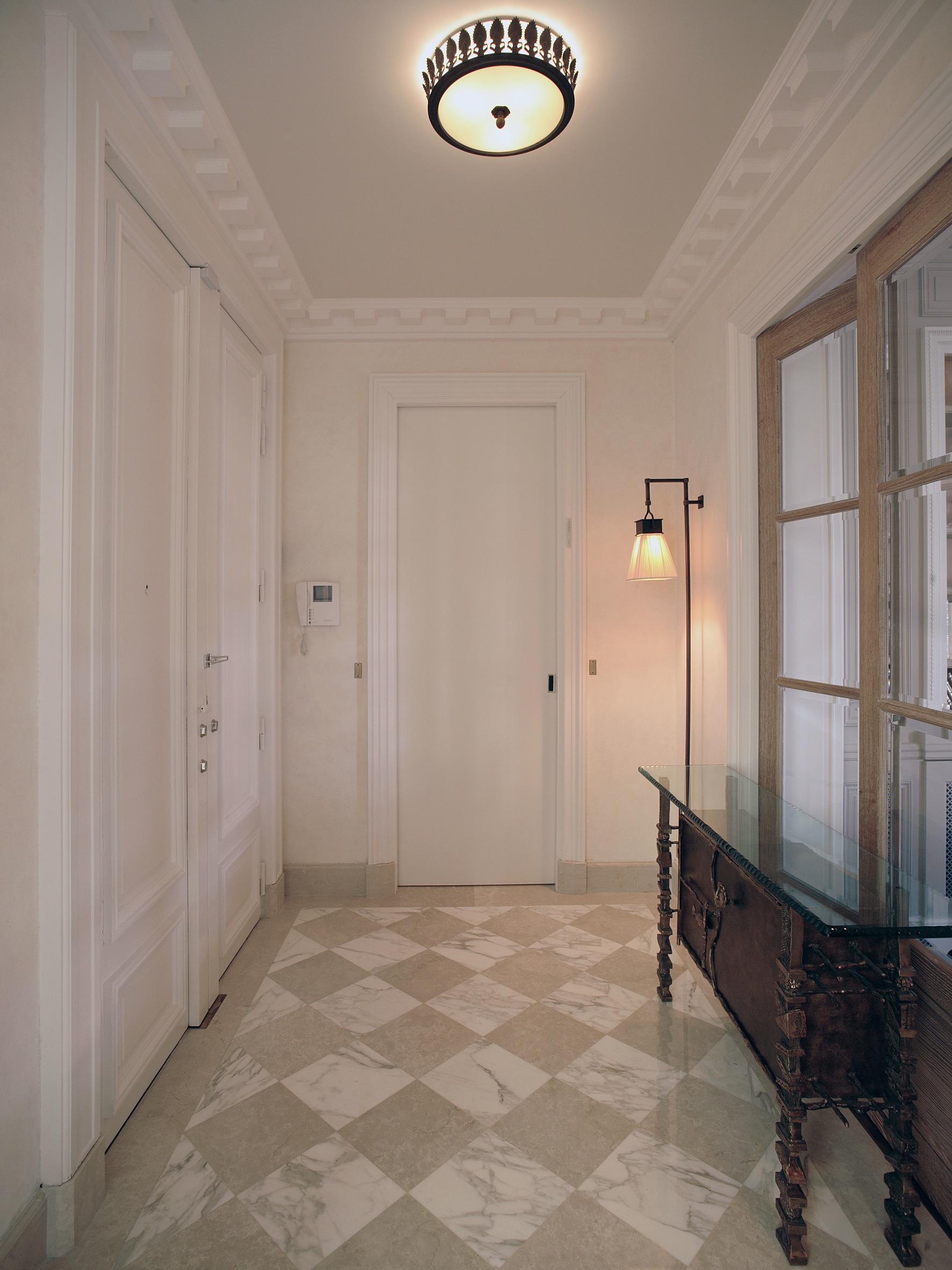 Couloir. Réalisation de l'architecte d'intérieur Olivier Berni.