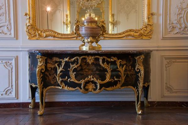 la commode de louis xv de choisy rejoint versailles olivier berni interieurs. Black Bedroom Furniture Sets. Home Design Ideas